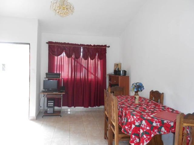 Casa Carabobo>Municipio San Diego>Valles del Nogal - Venta:47.820.000.000 Precio Referencial - codigo: 18-8745
