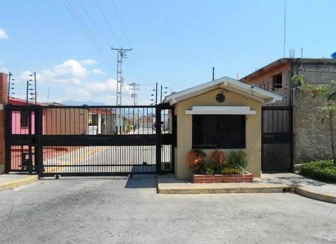 Casa Carabobo>San Joaquin>Altamira - Venta:1.914.000 Precio Referencial - codigo: 18-8748