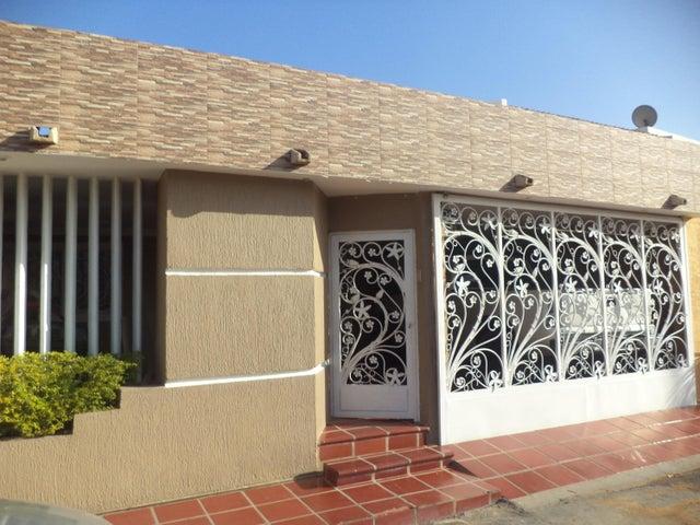 Townhouse Zulia>Maracaibo>La Picola - Venta:3.258.000 Precio Referencial - codigo: 18-8754