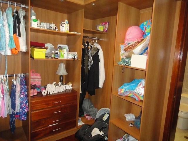 Casa Distrito Metropolitano>Caracas>Alto Hatillo - Venta:390.000 Precio Referencial - codigo: 18-9114