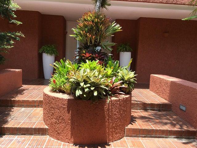 Casa Distrito Metropolitano>Caracas>Solares del Carmen - Venta:1.200.000 Precio Referencial - codigo: 18-8934