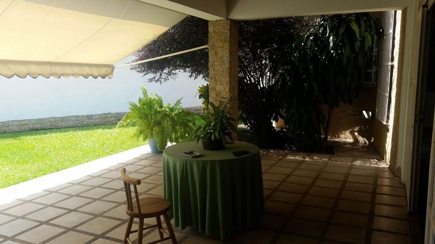 Casa Aragua>Maracay>El Castaño (Zona Privada) - Venta:140.000 Precio Referencial - codigo: 18-8962