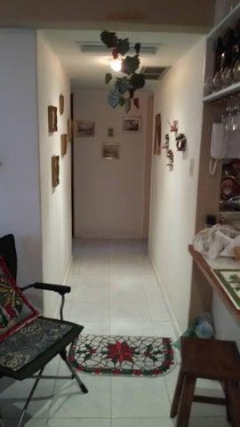 Apartamento Vargas>Parroquia Caraballeda>Caribe - Venta:24.900 Precio Referencial - codigo: 18-9943