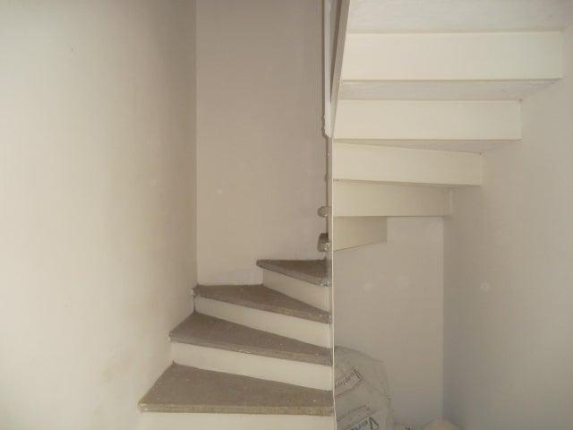 Townhouse Miranda>Guatire>El Encantado II - Venta:21.000 Precio Referencial - codigo: 18-9224