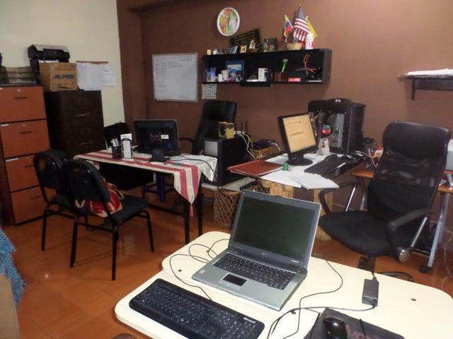 Casa Lara>Cabudare>Parroquia Cabudare - Venta:3.659.000 Precio Referencial - codigo: 18-9324