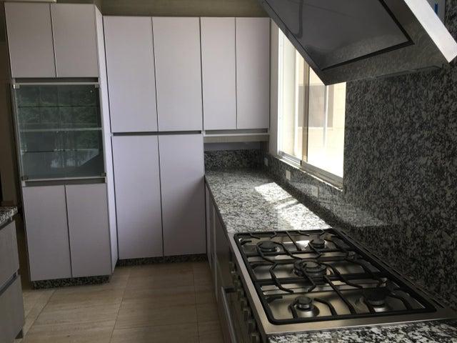 Apartamento Distrito Metropolitano>Caracas>La Lagunita Country Club - Venta:196.231.000 Precio Referencial - codigo: 18-8670