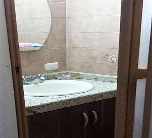 Casa Anzoategui>Puerto La Cruz>Complejo Turistico El Morro - Venta:50.000 US Dollar - codigo: 18-1619