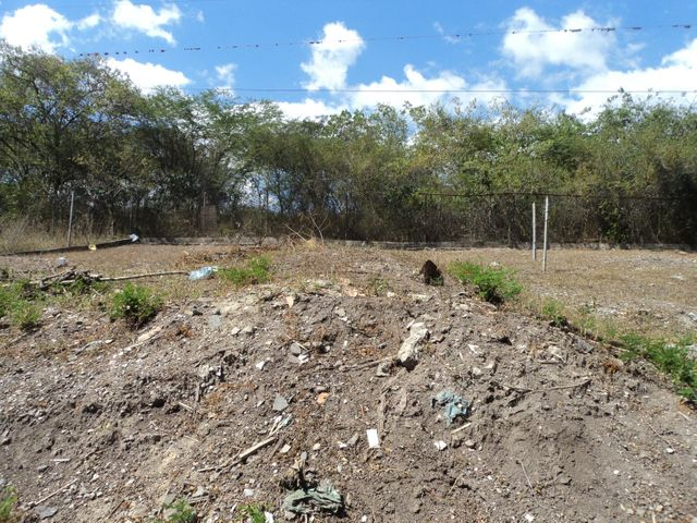 Galpon - Deposito Lara>Barquisimeto>Parroquia Santa Rosa - Venta:10.000 US Dollar - codigo: 18-9436