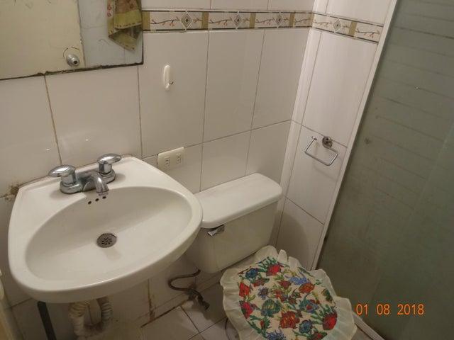 Apartamento Distrito Metropolitano>Caracas>Lomas de Las Mercedes - Venta:75.000 Precio Referencial - codigo: 19-433