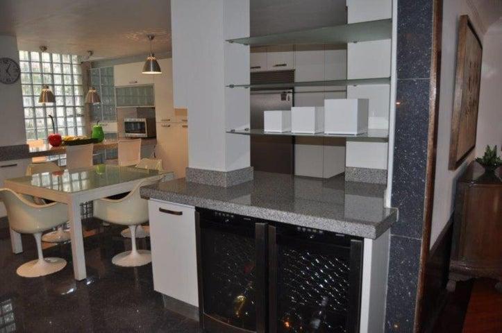 Casa Distrito Metropolitano>Caracas>Oripoto - Venta:420.000 Precio Referencial - codigo: 18-9819