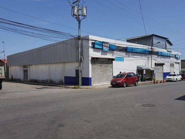 Local Comercial Vargas>La Guaira>Weekend - Venta:350.000 Precio Referencial - codigo: 18-9639