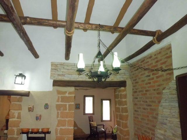 Casa Carabobo>Municipio Libertador>Santa Paula - Venta:130.000 US Dollar - codigo: 18-9709