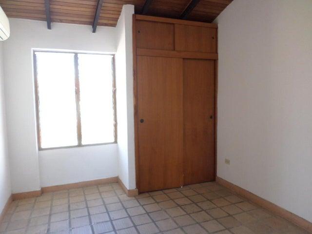 Casa Lara>Barquisimeto>Club Hipico Las Trinitarias - Venta:10.593.000 Precio Referencial - codigo: 18-9764