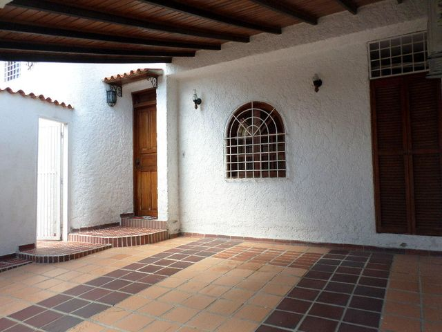 Casa Lara>Barquisimeto>Club Hipico Las Trinitarias - Venta:110.000 US Dollar - codigo: 18-9764