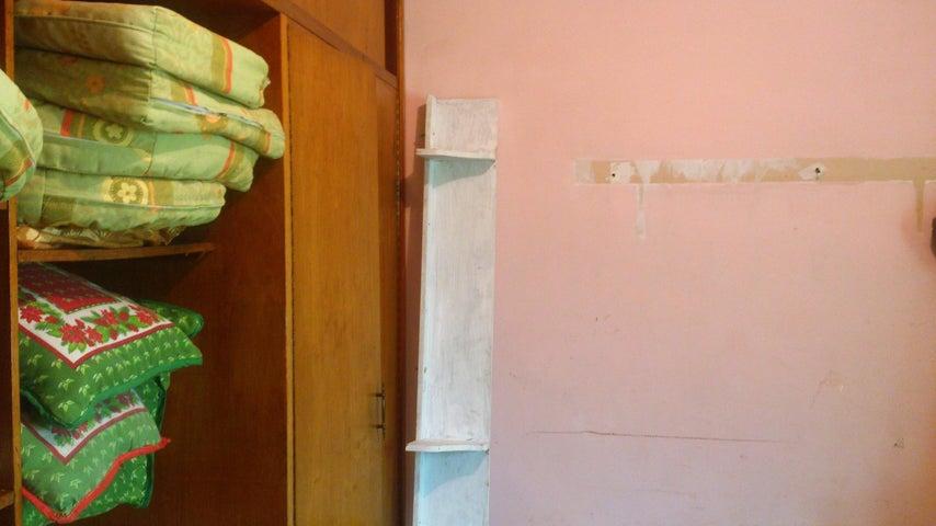 Casa Carabobo>Municipio Naguanagua>La Campina I - Venta:35.000 Precio Referencial - codigo: 18-9807