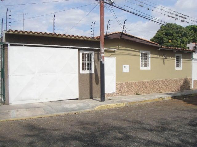 Casa Lara>Cabudare>Chucho Briceno - Venta:2.408.000 Precio Referencial - codigo: 18-9827