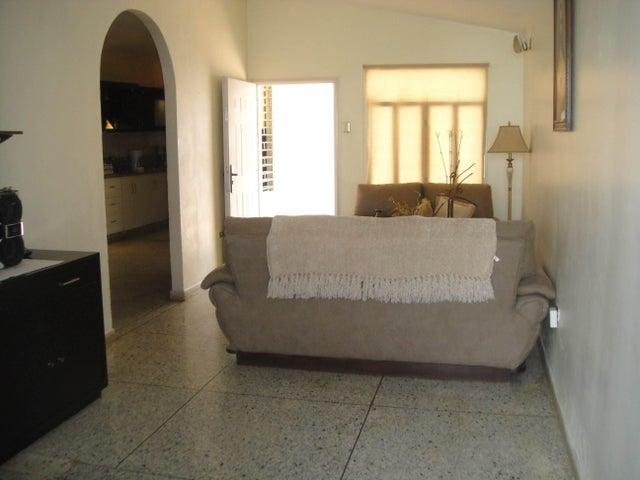 Casa Lara>Cabudare>Chucho Briceno - Venta:25.000 US Dollar - codigo: 18-9827