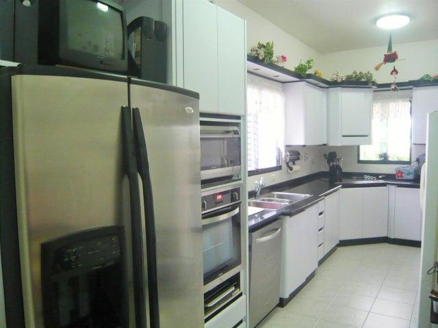 Casa Carabobo>Valencia>Altos de Guataparo - Venta:450.000 Precio Referencial - codigo: 18-9856