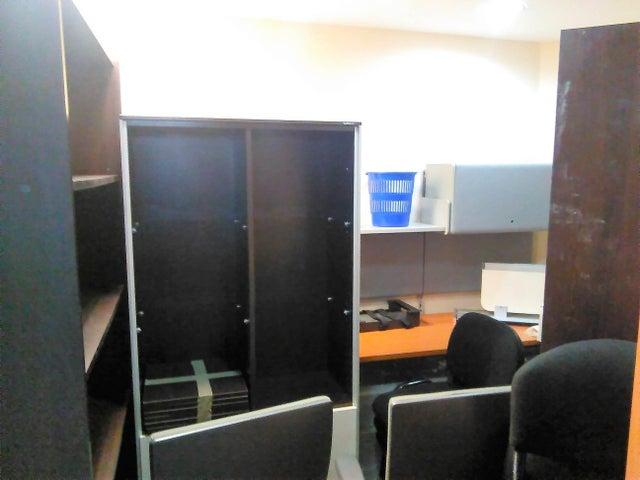 Oficina Carabobo>Valencia>La Viña - Venta:250.000 US Dollar - codigo: 18-9863
