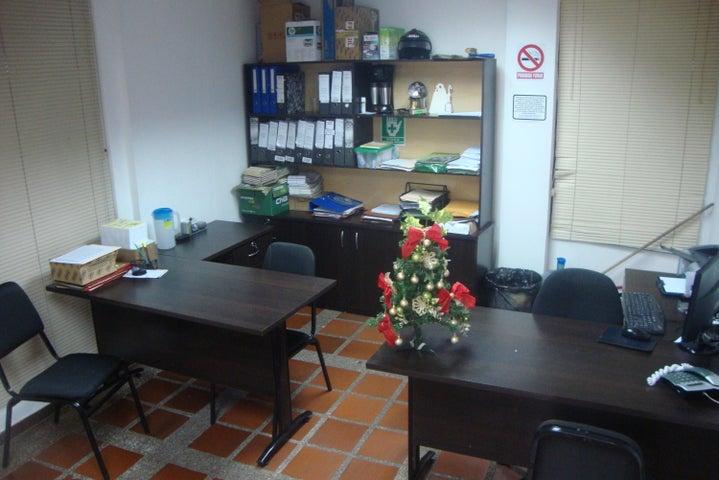 Local Comercial Lara>Barquisimeto>Parroquia Santa Rosa - Venta:3.901.000 Precio Referencial - codigo: 18-9905