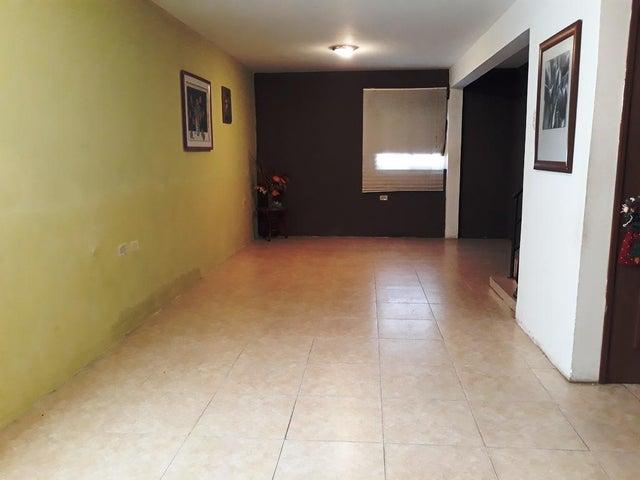 Townhouse Zulia>Cabimas>Concordia - Venta:2.105.000 Precio Referencial - codigo: 18-9078