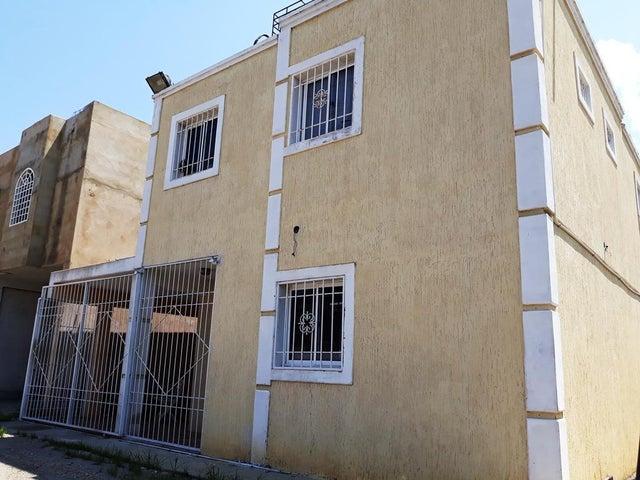 Townhouse Zulia>Cabimas>Concordia - Venta:12.000 US Dollar - codigo: 18-9078