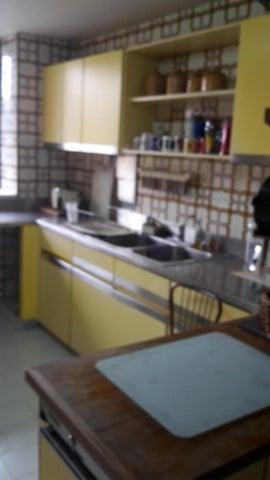 Apartamento Distrito Metropolitano>Caracas>Altamira - Venta:750.000 Precio Referencial - codigo: 18-9977