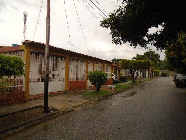 Casa Lara>Cabudare>La Morenera - Venta:13.500 Precio Referencial - codigo: 18-10023