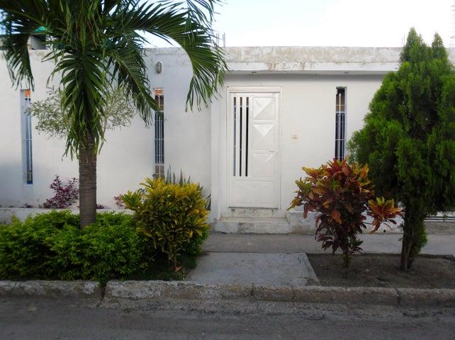 Casa Aragua>Maracay>Caña de Azucar - Venta:6.000 US Dollar - codigo: 18-10027
