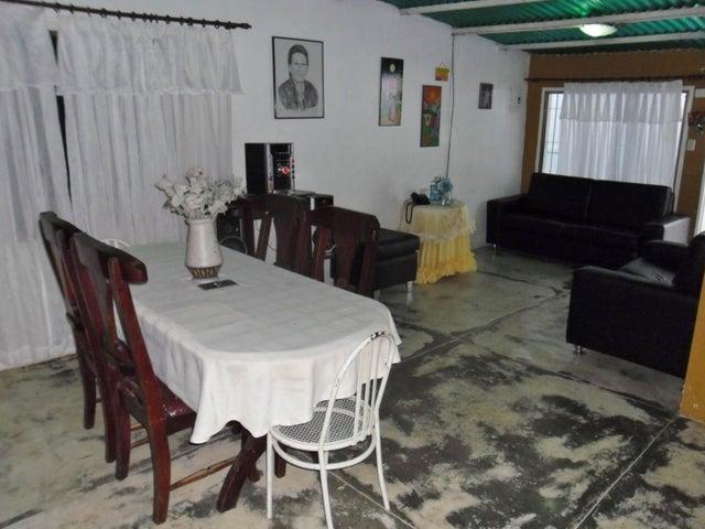 Casa Aragua>Maracay>Caña de Azucar - Venta:6.900 US Dollar - codigo: 18-10027