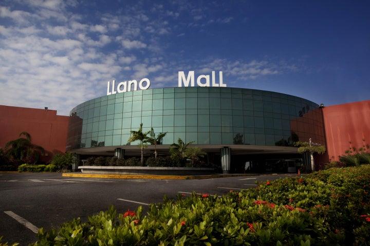 Local Comercial Portuguesa>Acarigua>Centro - Alquiler:611 US Dollar - codigo: 18-10073