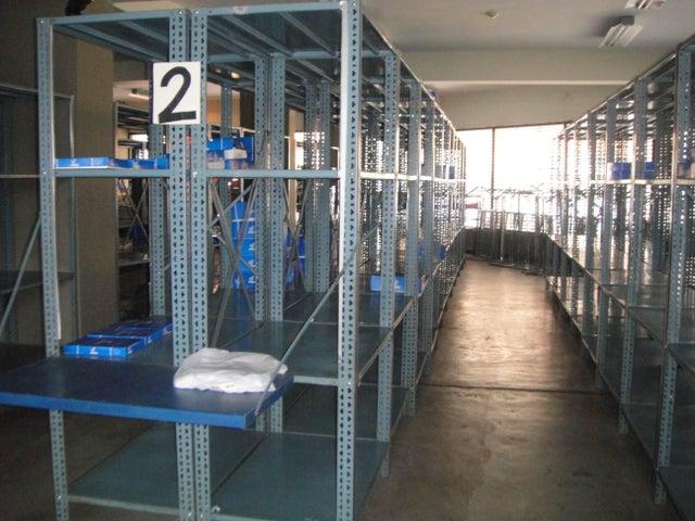 Local Comercial Portuguesa>Acarigua>Centro - Venta:300.000 US Dollar - codigo: 18-10083
