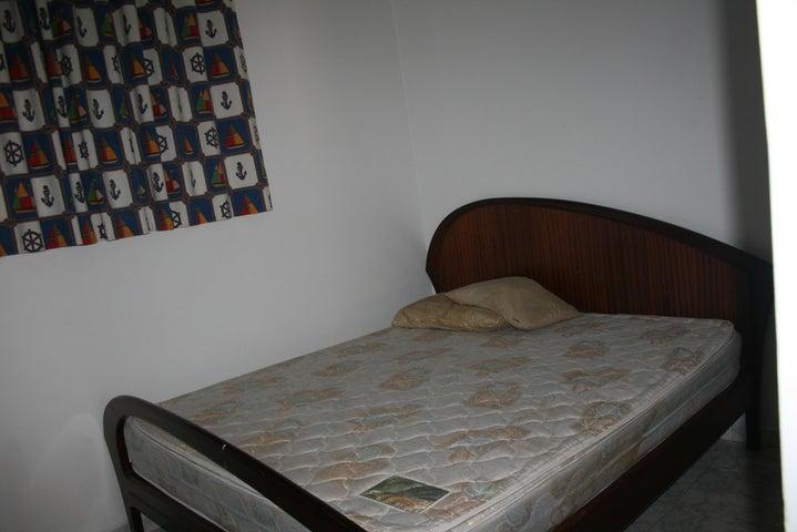 Apartamento Miranda>Higuerote>La Costanera - Venta:15.000 US Dollar - codigo: 18-10026