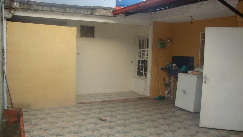 Casa Lara>Cabudare>Prados del Golf - Venta:13.000 US Dollar - codigo: 18-10304