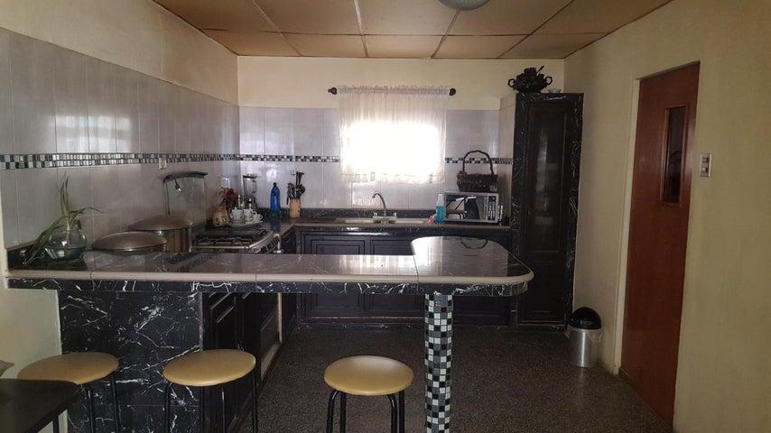 Casa Zulia>Cabimas>Nueva Delicias - Venta:1.499.000 Precio Referencial - codigo: 18-10346