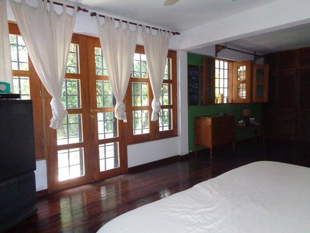 Casa Distrito Metropolitano>Caracas>Prados del Este - Venta:230.000 Precio Referencial - codigo: 18-10397