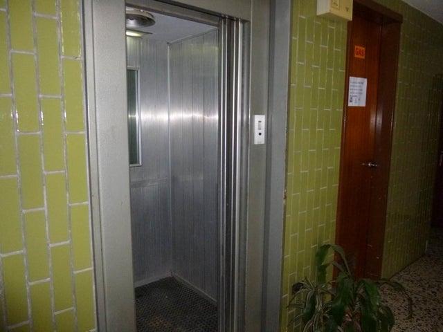 Apartamento Distrito Metropolitano>Caracas>Montalban I - Venta:50.000 Precio Referencial - codigo: 18-10400