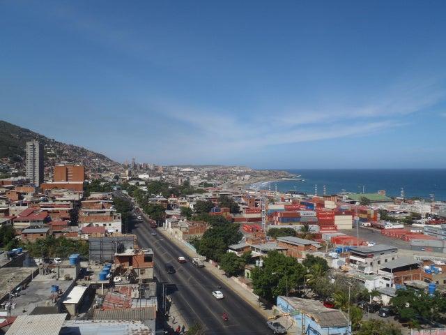 Oficina Vargas>Parroquia Maiquetia>Pariata - Venta:110.000 Precio Referencial - codigo: 18-10470