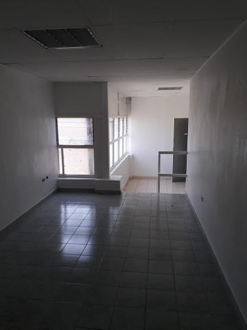 Oficina Distrito Metropolitano>Caracas>La Trinidad - Alquiler:100 US Dollar - codigo: 18-10629