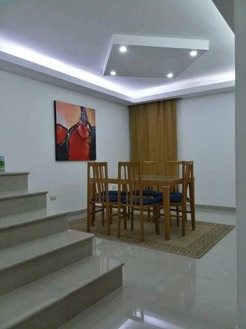Townhouse Falcon>Punto Fijo>Los Caciques - Venta:75.000 Precio Referencial - codigo: 18-10730