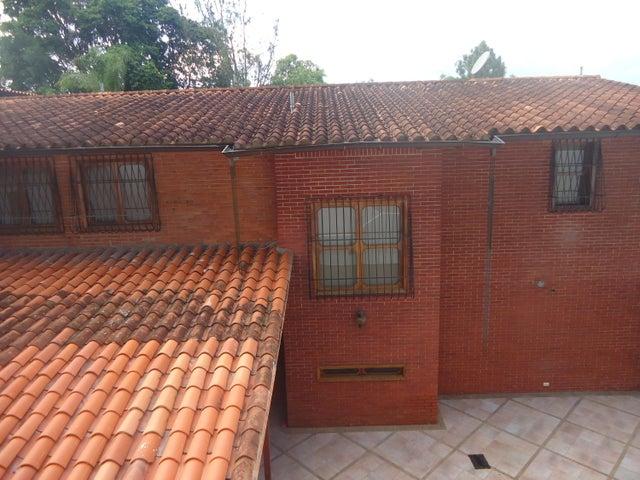 Casa Distrito Metropolitano>Caracas>El Cafetal - Venta:220.000 US Dollar - codigo: 18-10874