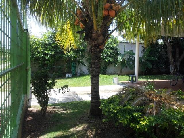 Casa Miranda>Rio Chico>El Cangregal - Venta:5.700 Precio Referencial - codigo: 18-4114