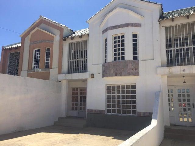 Townhouse Falcon>Punto Fijo>Santa Irene - Venta:33.000 US Dollar - codigo: 18-10884