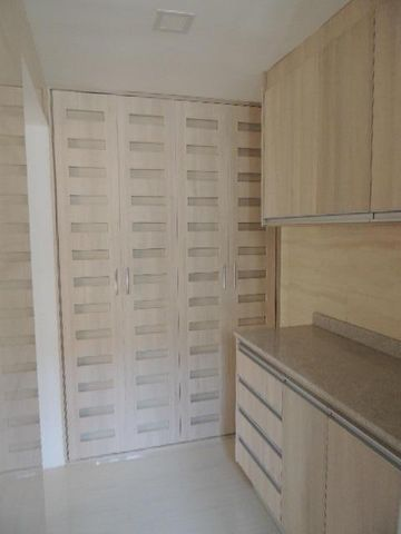 Apartamento Zulia>Maracaibo>Avenida El Milagro - Venta:900.000 Precio Referencial - codigo: 18-10886