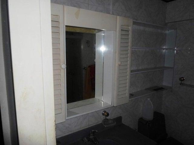 Apartamento Distrito Metropolitano>Caracas>Parroquia La Candelaria - Venta:22.000 Precio Referencial - codigo: 18-10942