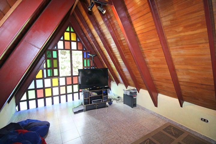 Casa Miranda>Carrizal>Colinas de Carrizal - Venta:85.000 Precio Referencial - codigo: 18-9159