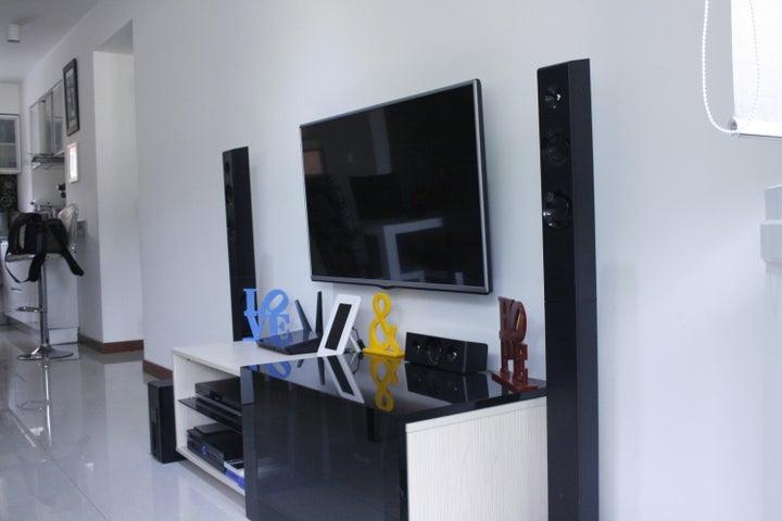 Apartamento Distrito Metropolitano>Caracas>El Rosal - Venta:110.000 Precio Referencial - codigo: 18-11102
