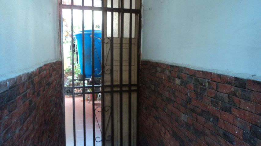 Casa Lara>Barquisimeto>Parroquia Concepcion - Venta:15.000 Precio Referencial - codigo: 18-11560