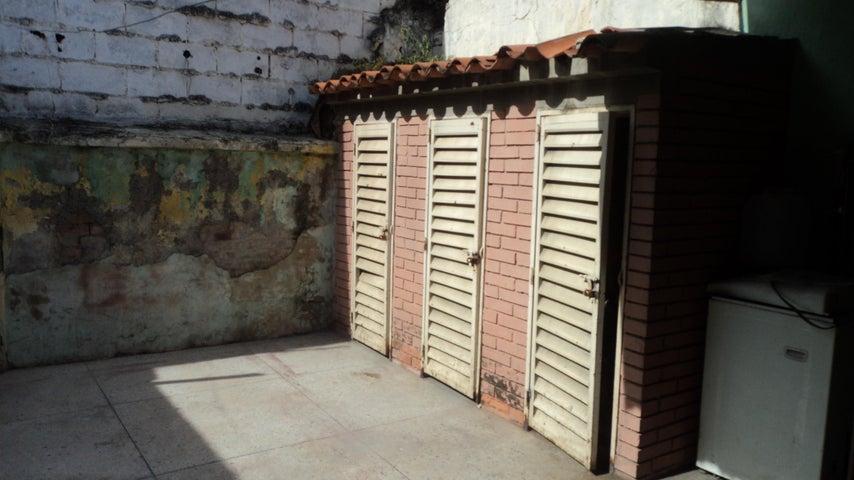 Casa Lara>Barquisimeto>Parroquia Concepcion - Venta:4.669.000 Precio Referencial - codigo: 18-11560