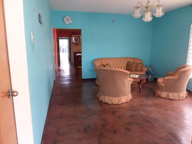Casa Lara>Barquisimeto>Parroquia Tamaca - Venta:326.000 Precio Referencial - codigo: 18-11187